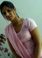Pic gal 09. Indian girls posing naked on camera
