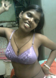 Pic gal 38. Indian girls posing naked on camera