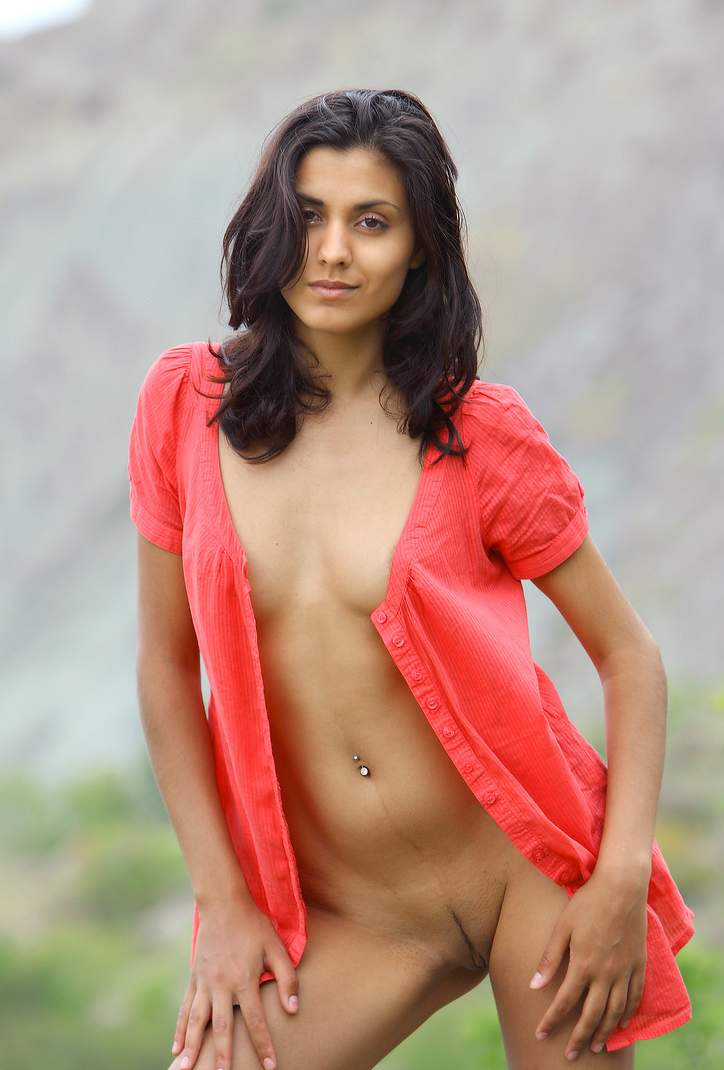 Pic gal 73. Horny indian naked in open