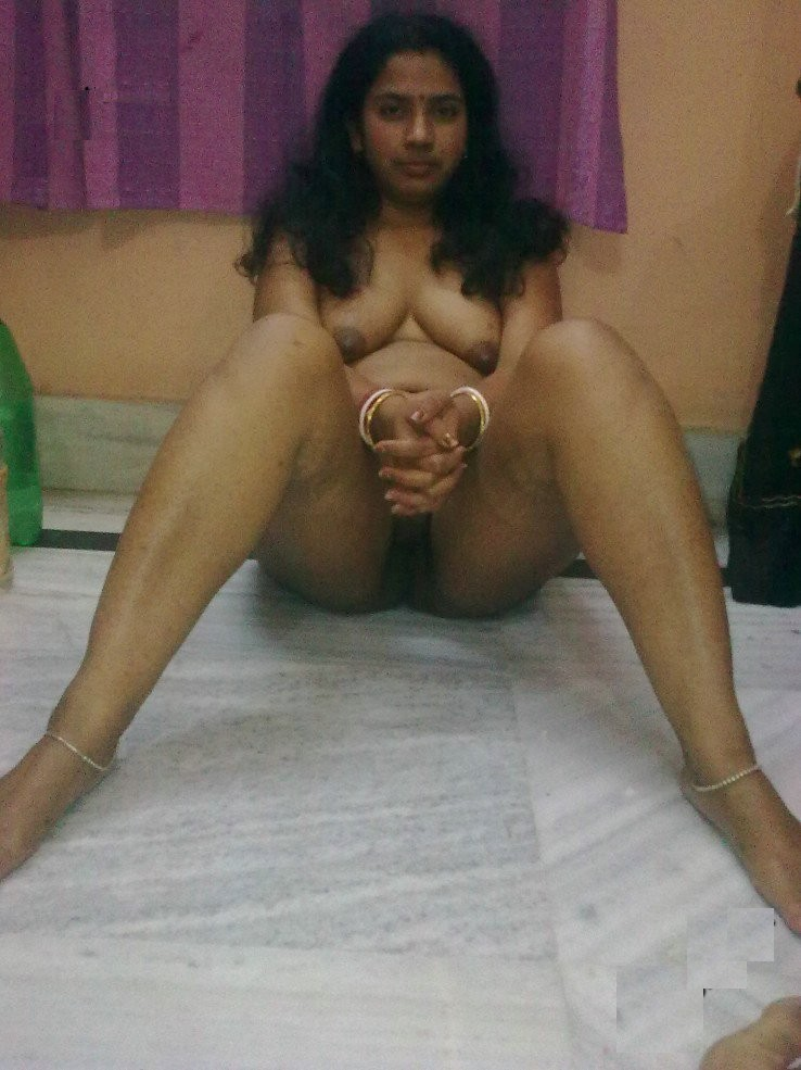 Pic gal 93. Big boob indian girl showing off