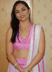 Pic gal 154. Hot excited indian housewife posing