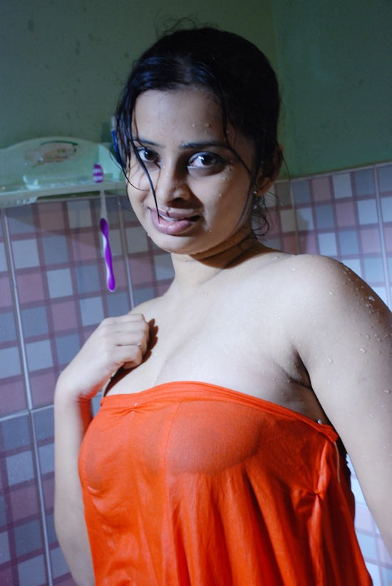 Pic gal 167. Indian girls posing naked on camera