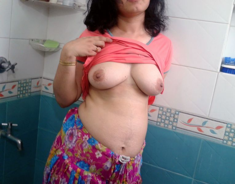 Pic gal 218. Young busty indian wife showing her juicy tits to hubby in shower