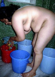 Pic gal 236. Mature amateur indian wife caught naked taking shower