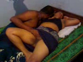 Vid gal 136. Plumpy indian gf with her boyfriend laying naked
