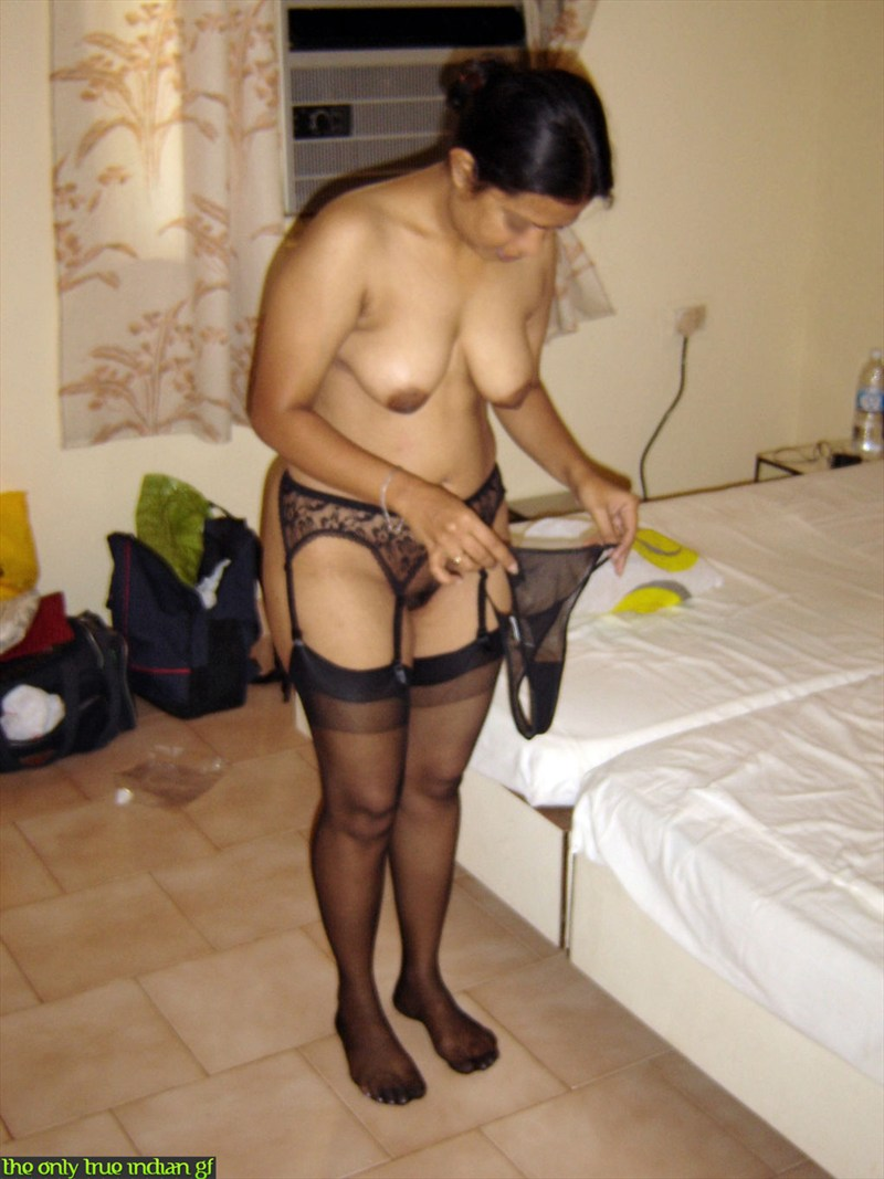 Pic gal 316. Newly wed indian wife changing