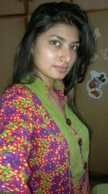 Pic gal 317. Excited young pakistani gf