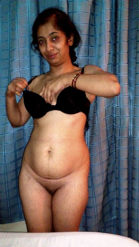 Pic gal 325. Indian wife jerking her hubby