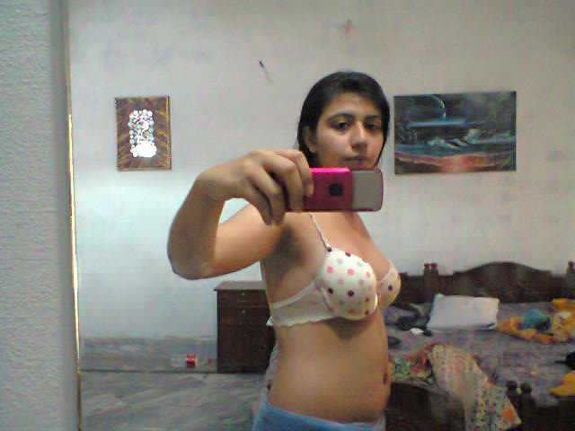 Pic gal 344. Stolen picture of indian gf from her mobile