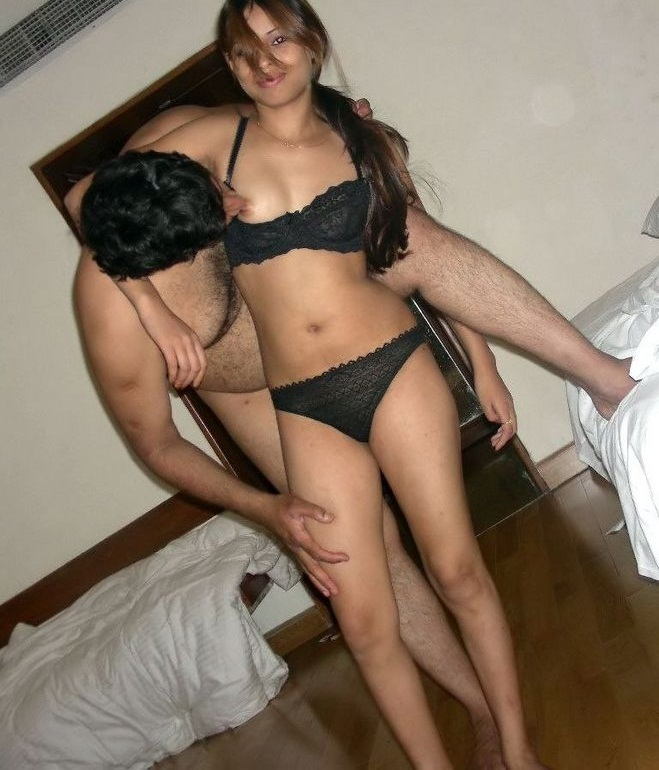 Pic gal 371. Pleasant indian college girl showing off