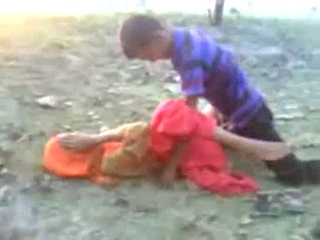 Vid gal 370. Amateur indian gf have intercourse in village fields