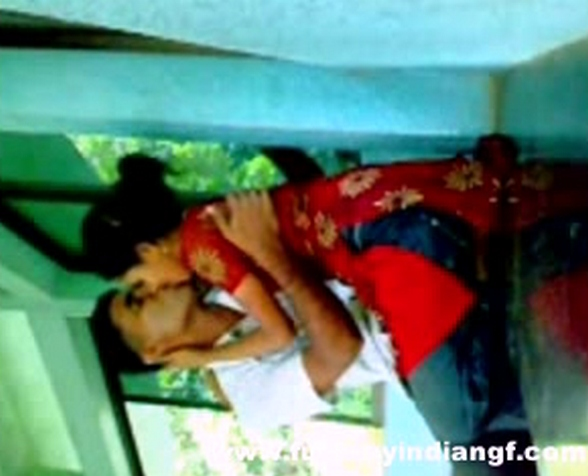 Vid gal 402. Bangla college girl make love in a campus leaked mms