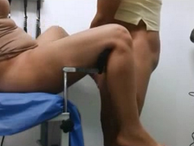 Vid gal 493. Indian doctor have sexual intercourse her girlfriend in a clinic