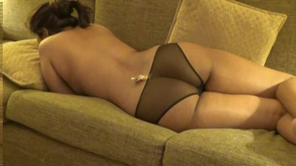 Vid gal 520. Indian gf gulp on sofa