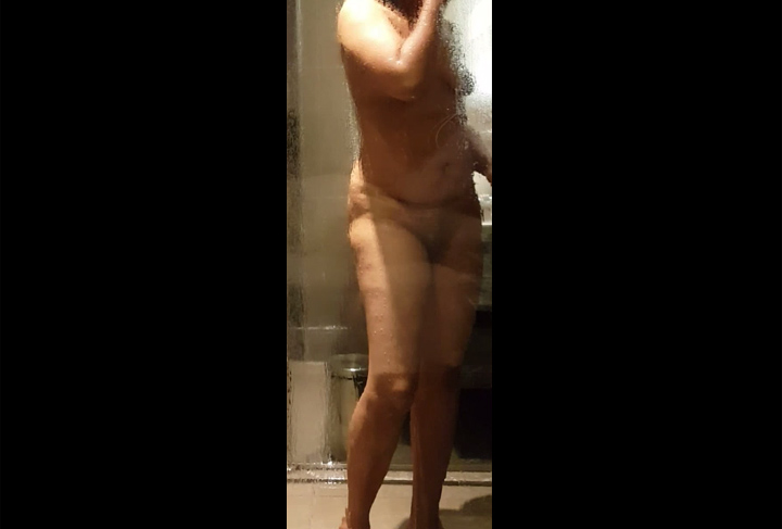 Vid gal 551. Mature indian gf bhabhi shower