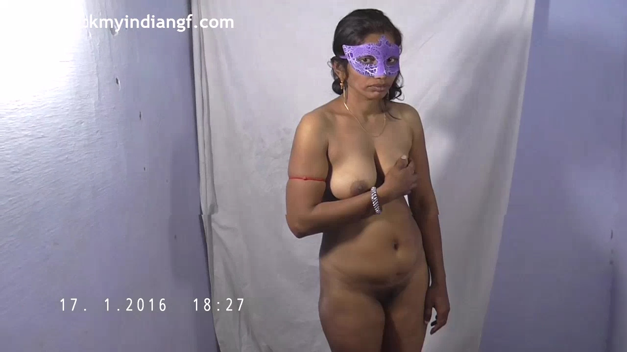 Vid gal 561. Indian gf Radha juicy big natural tits